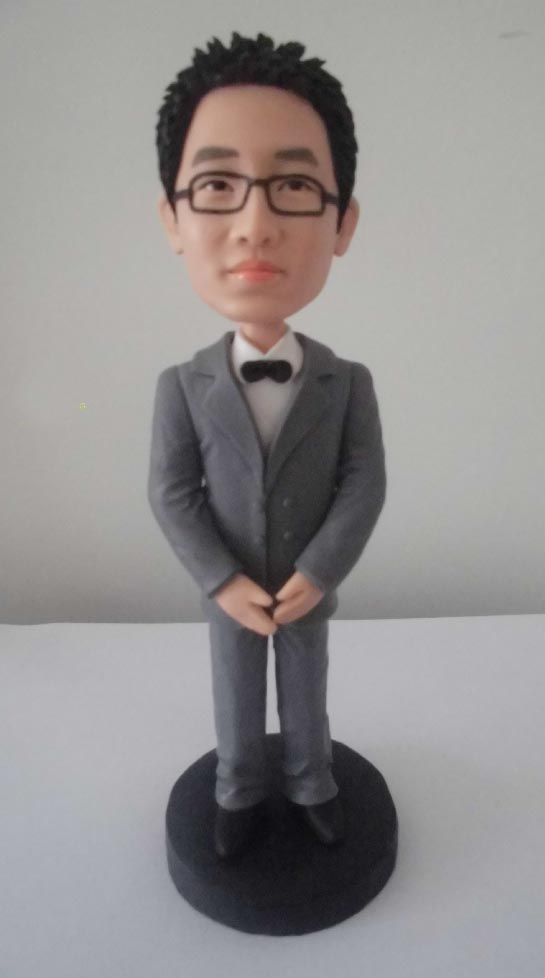 One of the reasons why bobbleheads are popular is because of the fact that one can actually get a custom made bobblehead