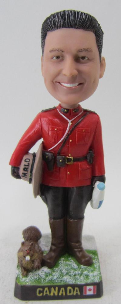 Elegant Personalized Bobbleheads from Photo at Reasonable Prices