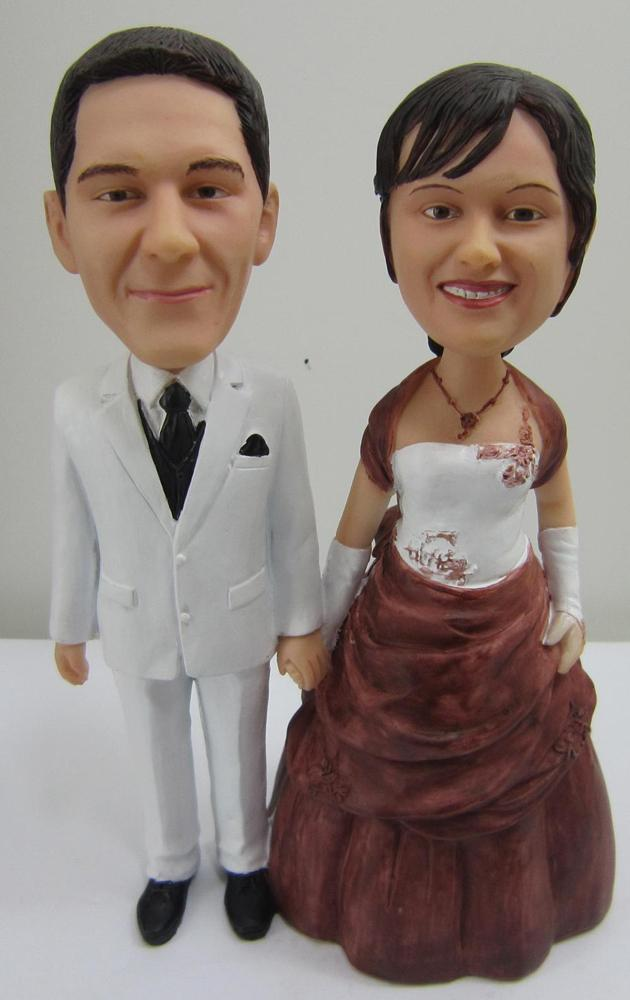Cool bobble heads of Couples Make the Youth Brilliant