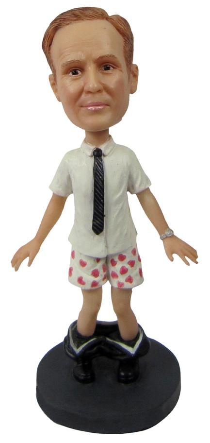 The custom bobblehead dolls on dollsforyou.com is popular accidentally and inevitably. Because in early stage, stars like to give fans souvenir dolls as a kind of publicity