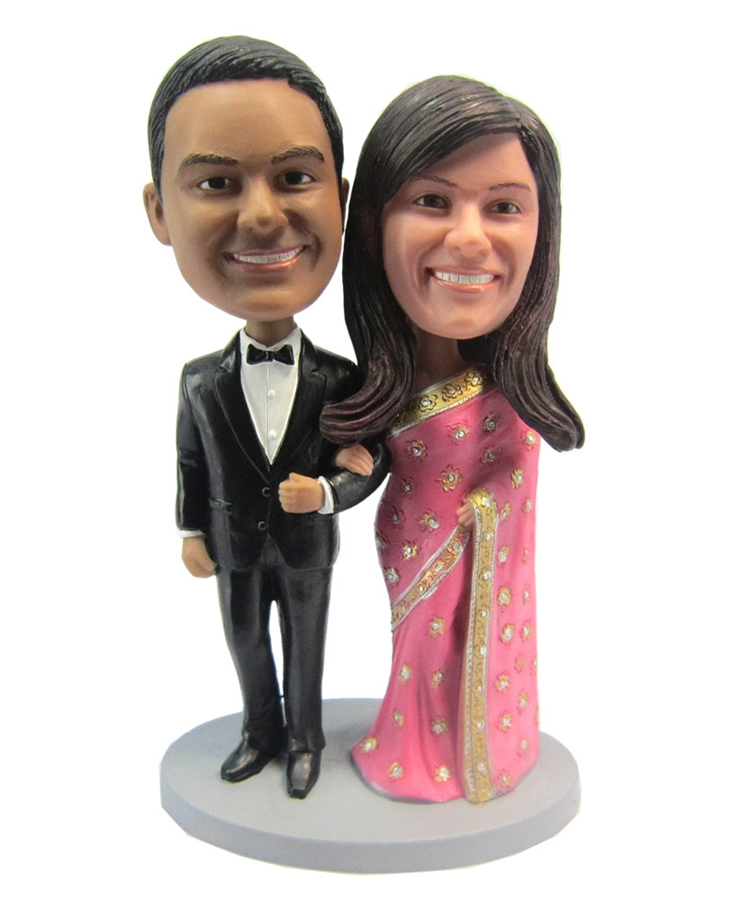 Arm in Arm Wedding Couple bobblehead Doll W007
