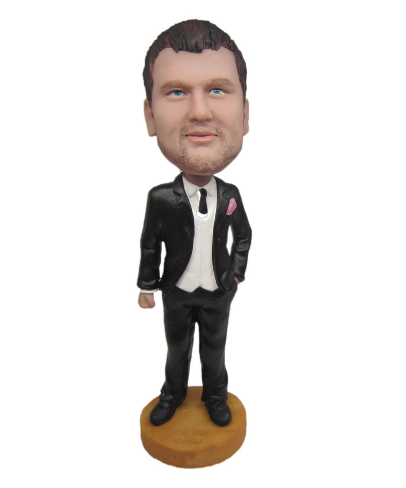 groomsmen bobbleheads hand in pocket B286
