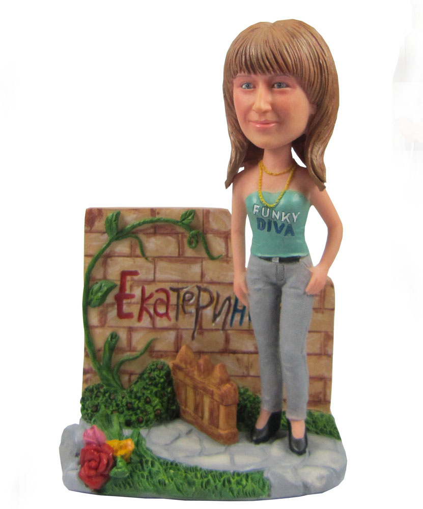 Create your own bobblehaed with a small garden G082