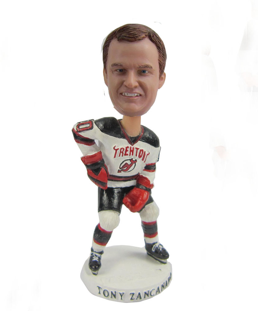 Male hockey player bobblehead S421