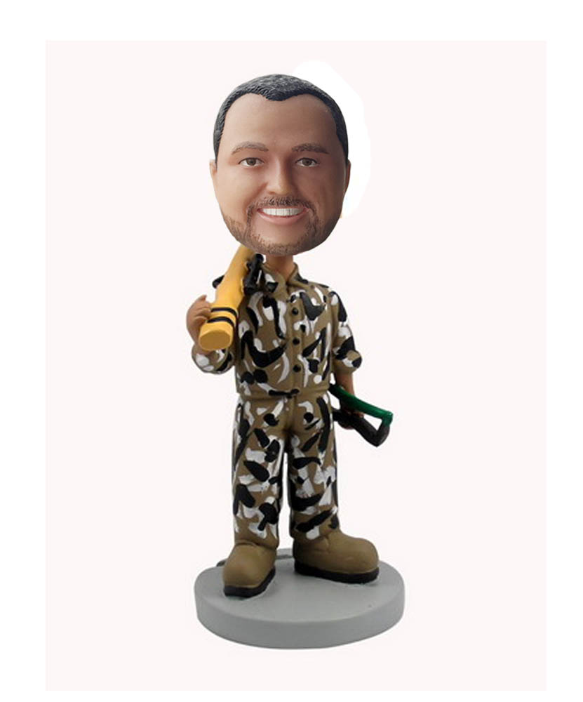 Hunter Bobblehead with Rifle B497