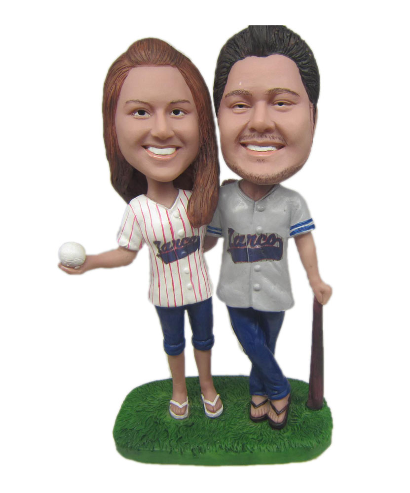Baseball couple bobblehead