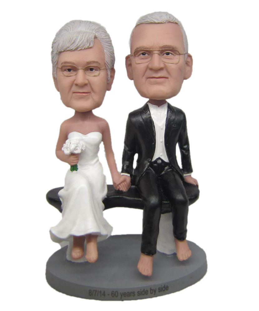 Personalized bobbleheads of wedding couple