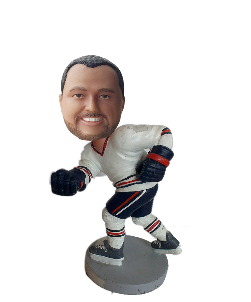 Customized bobbleheads Skating Male In Hockey Outfit And A Stick S 82