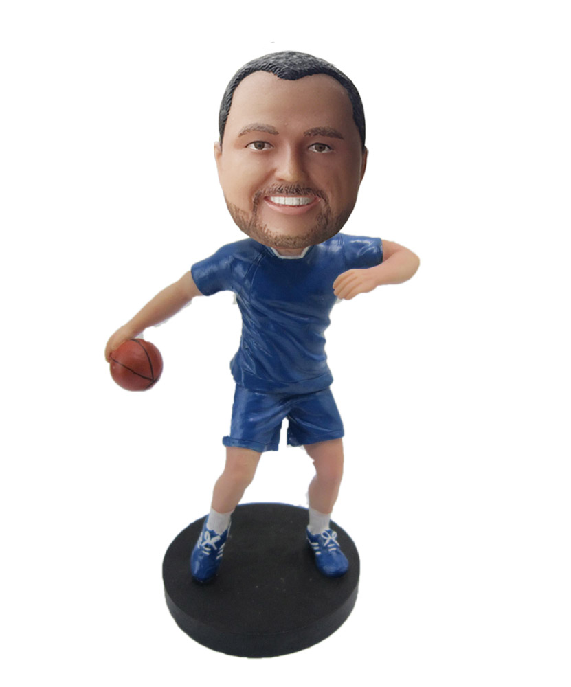 Male Basketball Player About To Shoot bobblehead DollS440