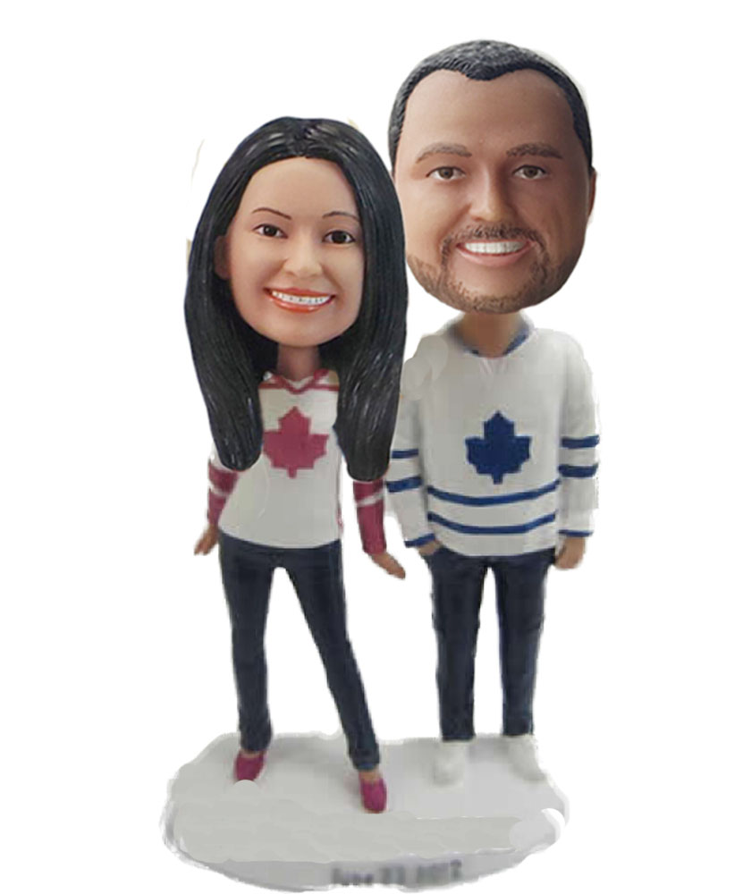 Couple wear  bobbleheads doll W640