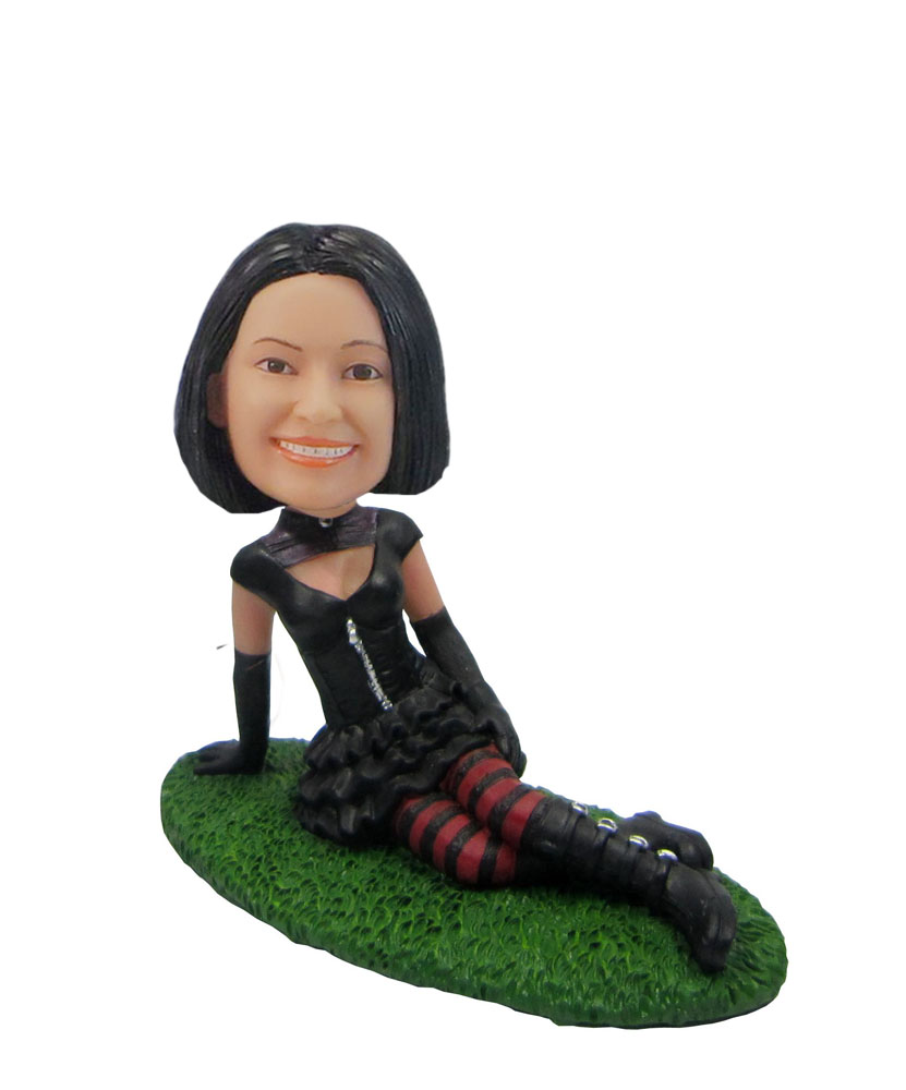 Female in green grass Punk girl at the picnic obblehead F45