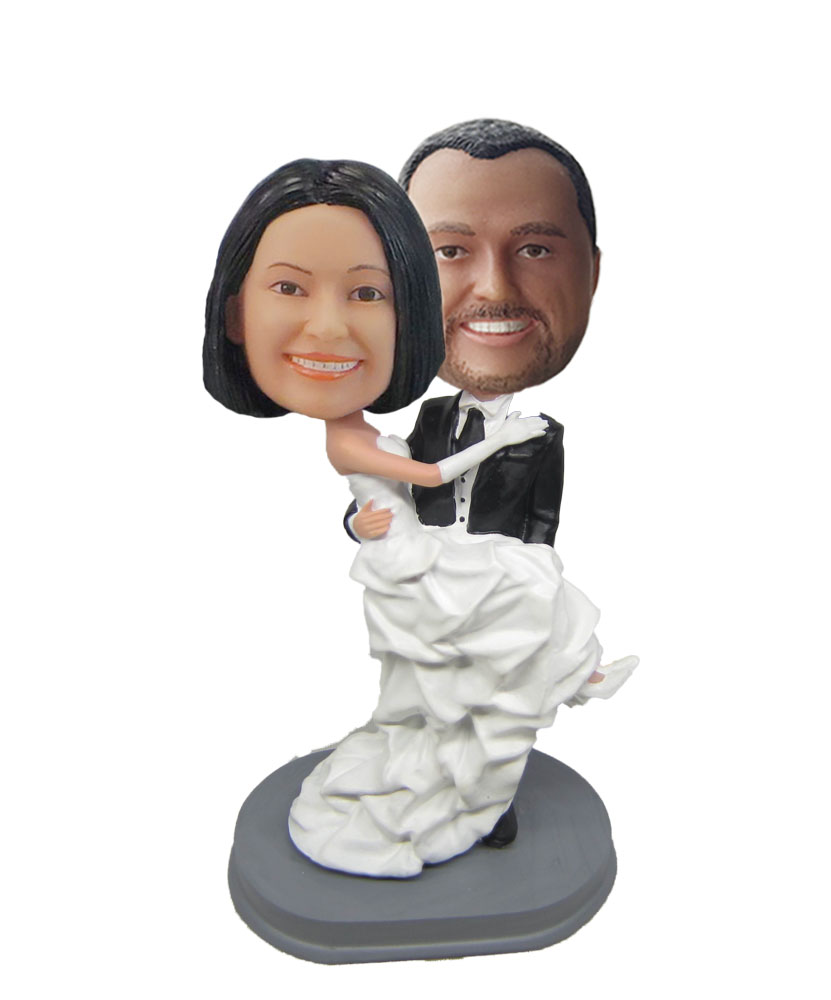 Man Holds Woman With Martini Glass bobblehead Dolls W703