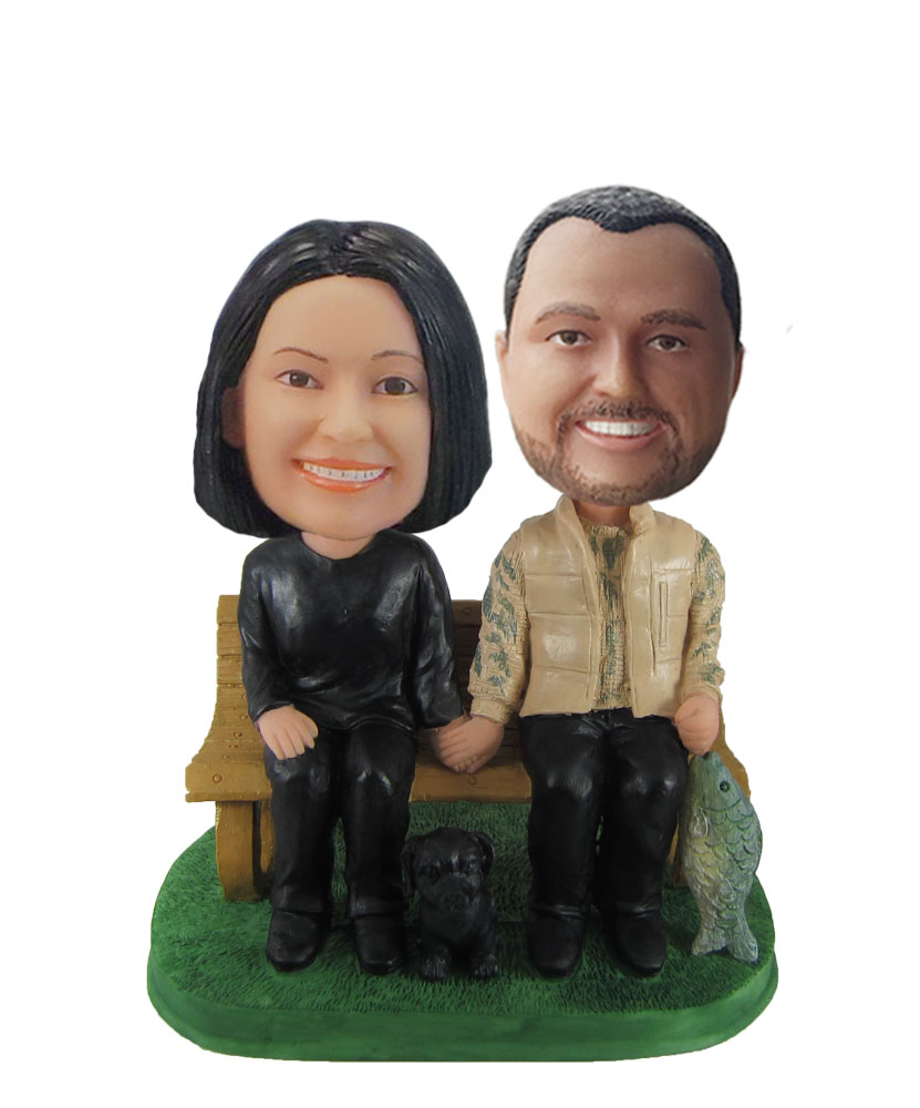 Couple in chair bobblehead doll W992