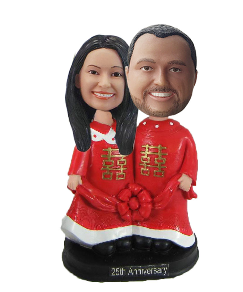 Bride and Groom In Chinese Traditional Pose Bobblehead W1028