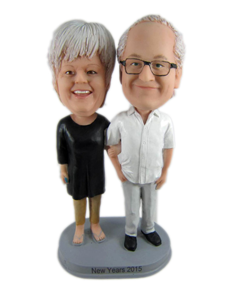 Couple bobbleheads 229