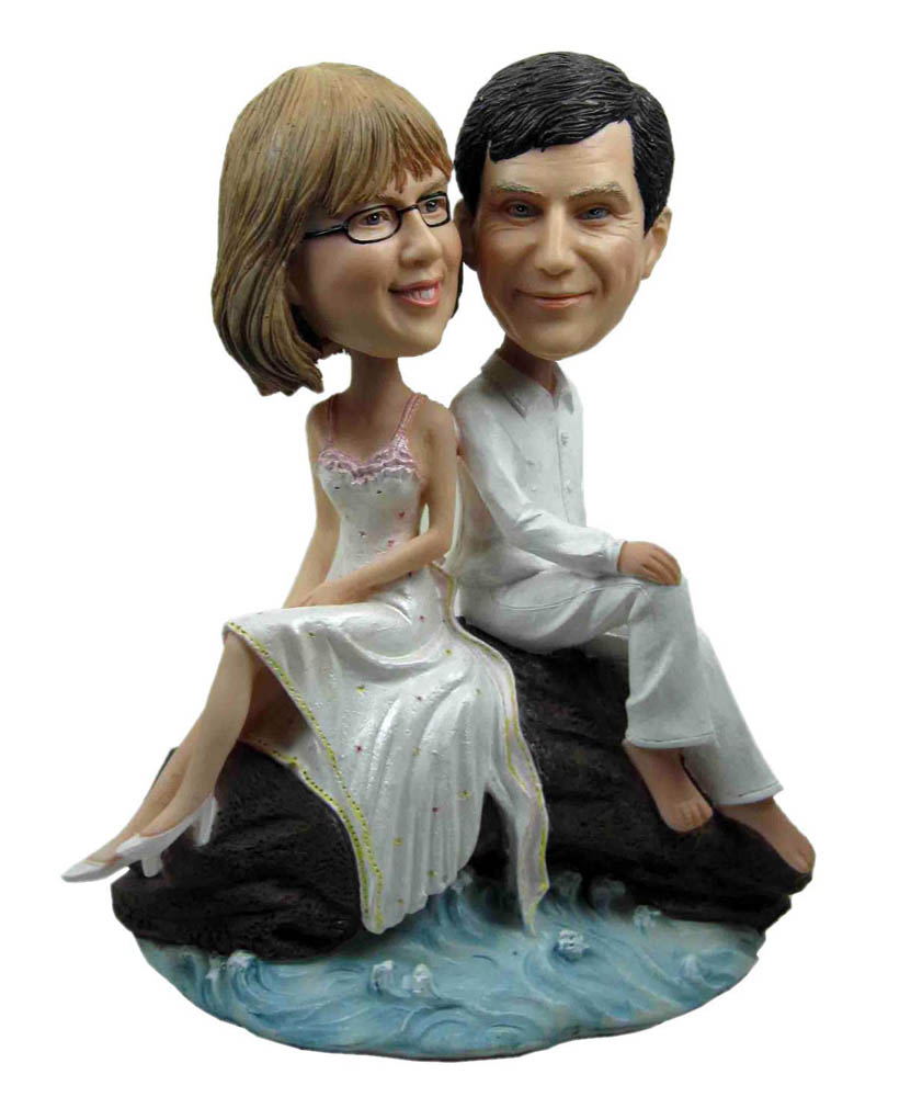 Back in Back Man and Woman Love Couple Bobbleheads
