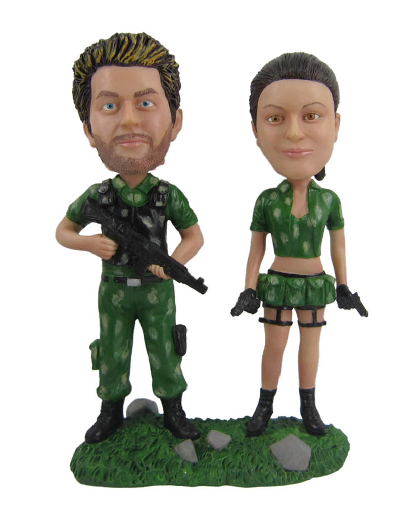 Couple Man and Woman In Green Army Suit Bobbleheads