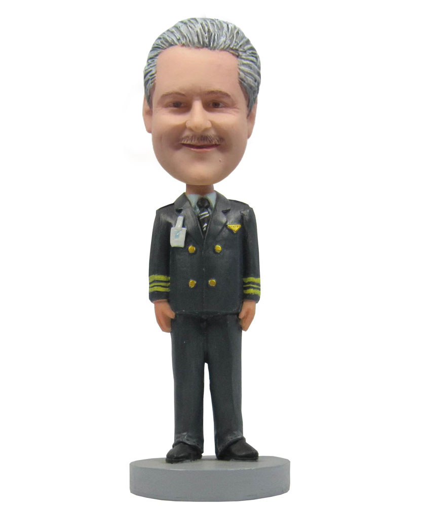 Bobble head figures dressed in military uniform
