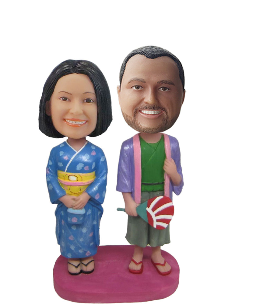 Bride and Groom In Traditional Janpan Bobblehead w776