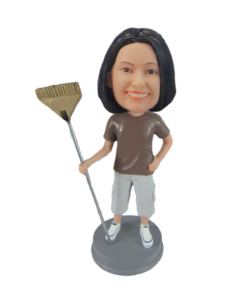 bobbleheads personalized Housewife Holding a broom F1038